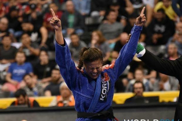 Após retorno triunfal no Pan, Monique Elias vai em busca de bicampeonato no Mundial: 'Preparada para tudo'