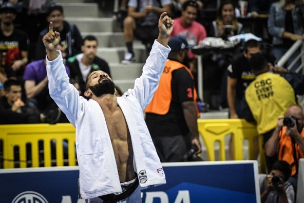 Bruno Malfacine vai em busca do seu 10º título mundial no Jiu-Jitsu (Foto: FloGrappling)