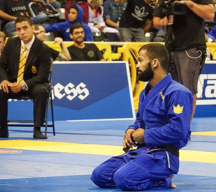 Por troféu para Bruno Malfacine, nove vezes campeão mundial, Gabi Garcia dispara contra IBJJF; leia e opine