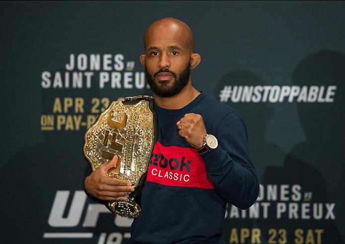 Johnson revela que o UFC ameaçou 'fechar' divisão dos moscas caso ele não aceite luta contra Dillashaw; saiba