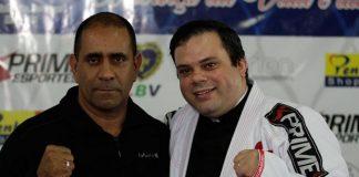 Coronel Silva e Padre Luís Antônio durante a cerimônia em Muriqui (Foto Leonardo Fabri)
