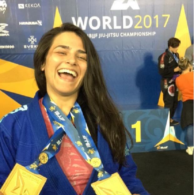 Jessica Guedry brilhou na faixa-roxa e conquistou o ouro duplo no Mundial (Foto Reprodução)