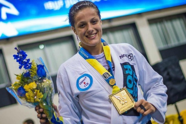 Campeã no Mundial, Nathiely exalta nova geração do Jiu-Jitsu feminino: 'Chegando com tudo'