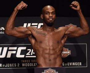 Pesagem do UFC 214 acontece sem problemas e lutas valendo cinturão são confirmadas; veja