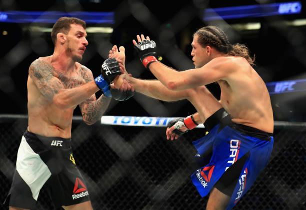 Jon Jones leva prêmio por performance, e Moicano x Ortega é eleita a melhor luta do UFC 214; confira