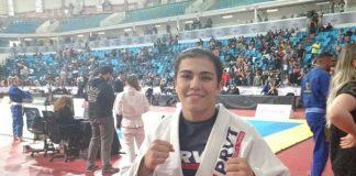 Jéssica Bate-Estaca está na final peso-leve na faixa-marrom, e fará final neste domingo (Foto: Yago Rédua)