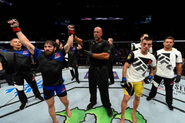 Jimmie Rivera foi melhor em três rounds e superou Thominhas Almeida (Foto: Getty Images)