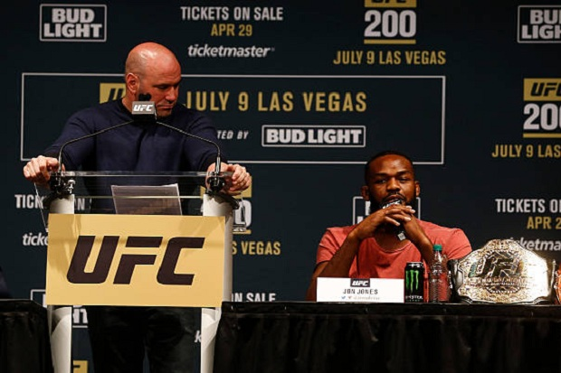 Jon Jones revelou mágoa com Dana White, presidente do Ultimate (Foto: Getty Images)