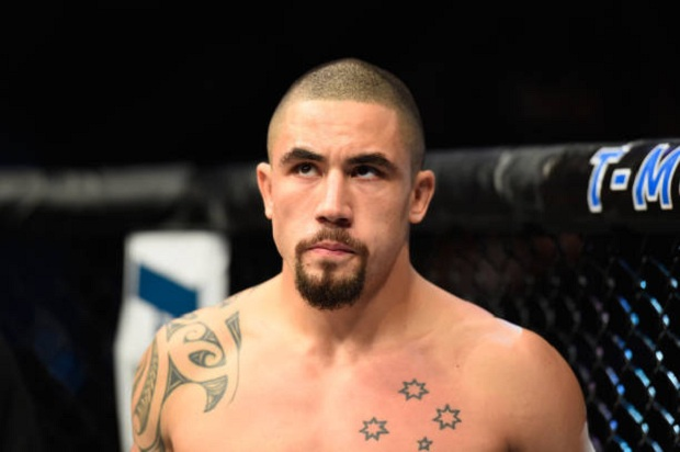 Whittaker apareceu no ranking peso-por-peso do Ultimate após vencer Romero (Foto: Getty Images)