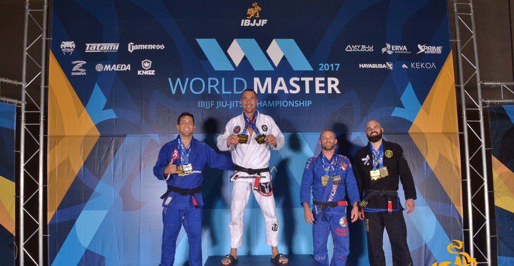 Rafael Lovato Jr. e Guto Campos conquistam ouro duplo no primeiro dia do Mundial Master