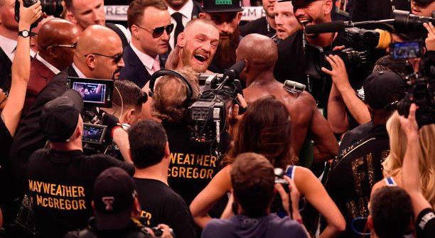 McGregor reclama de interrupção do árbitro e analisa: 'Estava ganhando por 5 a 4'; leia e opine
