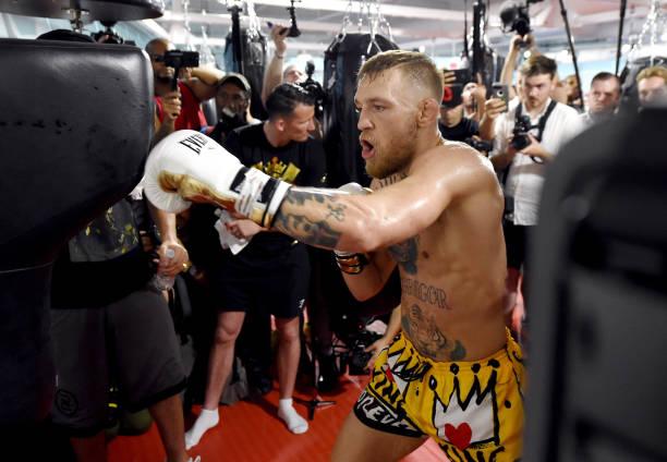 Conor McGregor responde desafio feito por Paulie Malignaggi e dispara: 'Cale a boca e entre na fila'