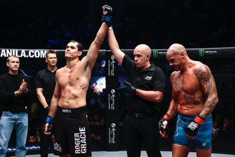Roger cita 'falta de motivação' pra seguir no MMA e revela: 'Não é a minha paixão'