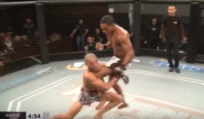 Vídeo: joelhada brutal e finalização incomum agitam o final de semana do MMA nacional; assista