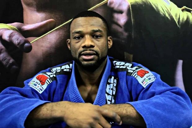 O faixa-preta Alan Finfou falou sobre o polêmico tema da arbitragem no Jiu-Jitsu (Foto: BJJ Heroes)
