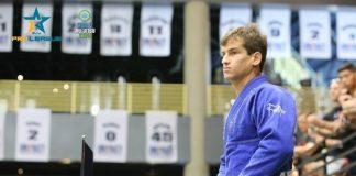 Osvaldo Queixinho será uma das boas atrações no card do ACB JJ 10 (Foto IBJJF)