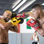 Durinho treinou com nomes de peso, como Robbie Lawler, para luta contra Saggo (Foto: Alexis Terrosa)
