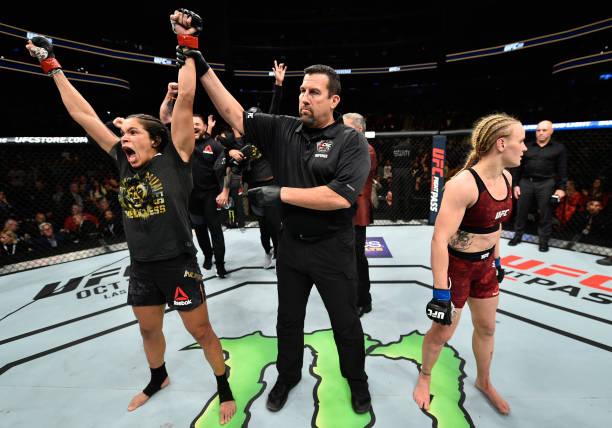 Amanda vence Valentina e mantém cinturão no UFC 215; Dos Anjos finaliza