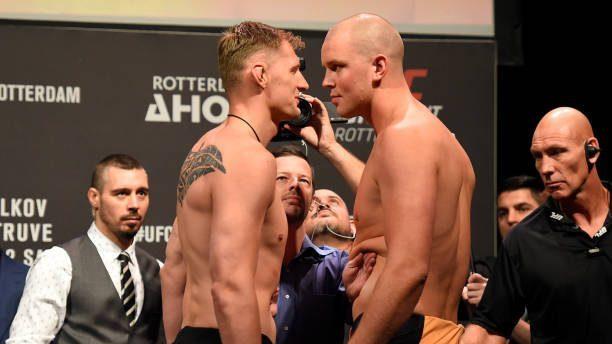 Volkov é visto como favorito para luta principal do UFC Roterdã contra Struve; confira o card