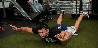Atleta Luis Sapo mostra alguns exercícios direcionados para o CORE (Foto: Divulgação)