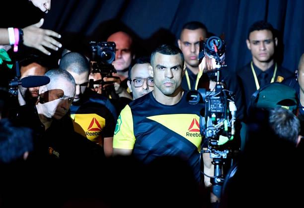 Em última luta pelo UFC, Vitor Belfort anuncia confronto com Uriah Hall em janeiro; saiba mais