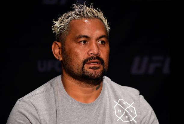Irritado por corte do UFC Sydney, Hunt volta a atacar Dana: 'Sempre me odiou, esse cachorro'