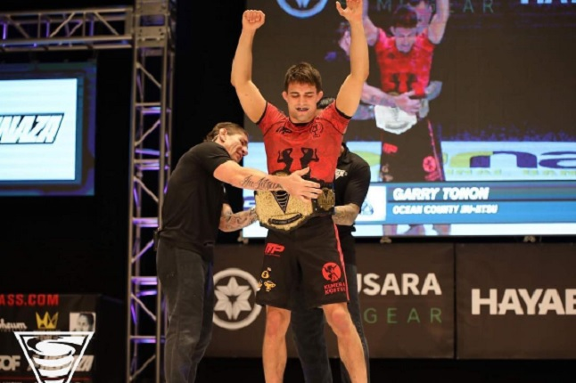 Garry Tonon brilha no EBI 13, finaliza todas as lutas e bate algoz do último ADCC na final; veja