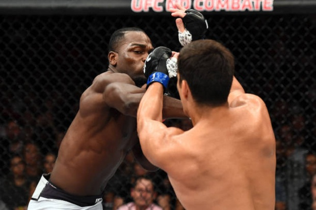 Derek Brunson nocauteou Lyoto Machida ainda no primeiro round (Foto: Getty Images)