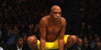 Anderson Silva segue no aguardo sobre a definição de seu futuro no MMA (Foto: Getty Images)