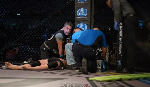 Após difícil corte de peso, lutador sofre parada cardíaca e falência renal; assista