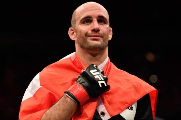 Segundo colocado no ranking meio-pesado do UFC, Volkan Oezdemir foi preso nos EUA (Foto: Getty Images)