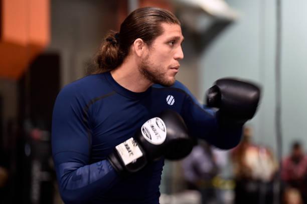 Brian Ortega é visto com ligeiro favoritismo sobre Cub Swanson no UFC Fresno, segundo site de aposta