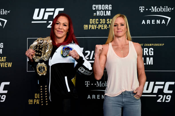 Cris Cyborg é vista com amplo favoritismo sobre Holly Holm no UFC 219, segundo site de aposta