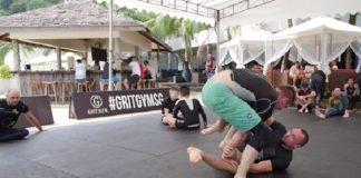 Keenan Cornelius e Craig Jones mostraram sua habilidades em rola soltinho em Singapura (Foto: Reprodução)