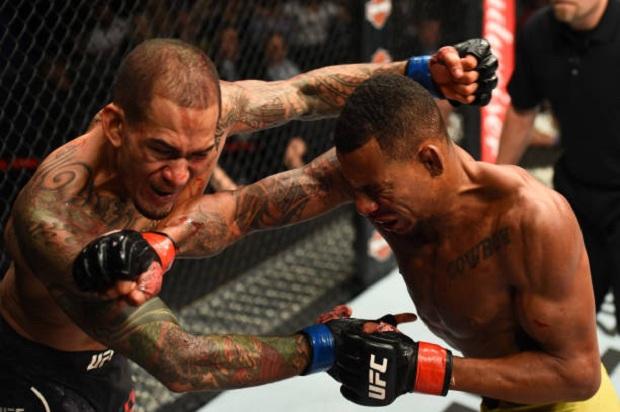 Em um duelo impressionante, Yancy Medeiros superou Alex Cowboy por nocaute (Foto: Getty Images)