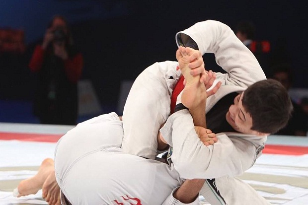 Irmãos Miyao brilham no Grand Slam; Evangelista é destaque no máster