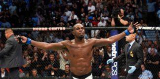 Jon Jones se pronunciou após Cormier, seu grande rival, manter o cinturão meio-pesado (Foto: Getty Images)