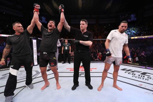 Lyoto Machida travou duelo equilibrado com Anders e venceu na decisão dividida (Foto: Getty Images)