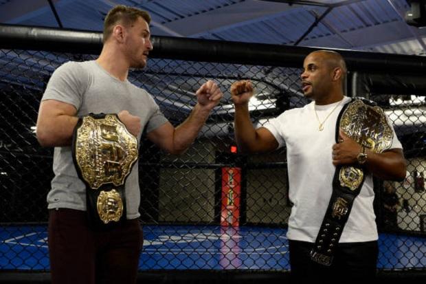 Stipe Miocic e Daniel Cormier vão se enfrentar em duelo válido pelo cinturão dos pesados (Foto: Getty Images)