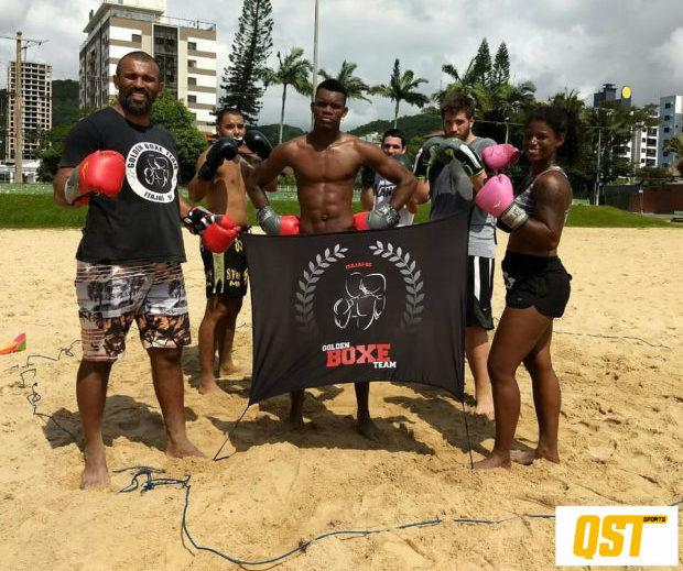 Haitiano vai representar Itajaí (SC) em disputa no Boxe de Praia em Copacabana, no Rio de Janeiro