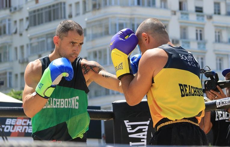 Eduardo Pachu domina e vence Palhares na luta principal do primeiro BeachBoxing Tournament; resultados