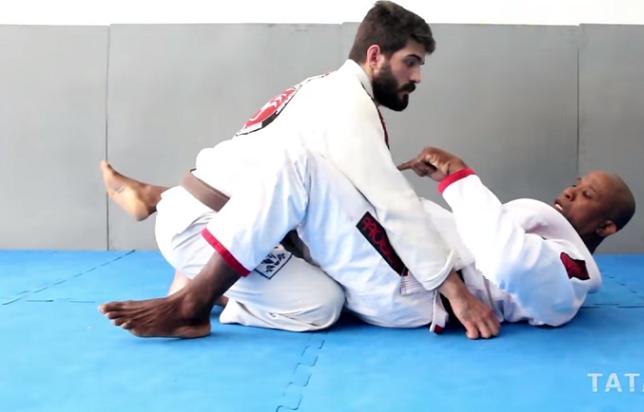 Marcelo Negrão mostrou um eficiente triângulo partindo da guarda fechada (Foto: Reprodução)