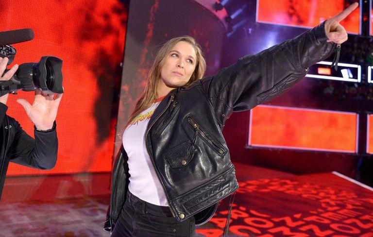 Ronda Rousey diz que 'não se aposentou' e analisa Mayweather no MMA: 'Tudo conversa'