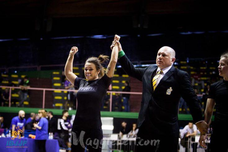 Vídeo: Michelle Nicolini conquista ouro duplo e brilha no Europeu No-Gi; veja como foi