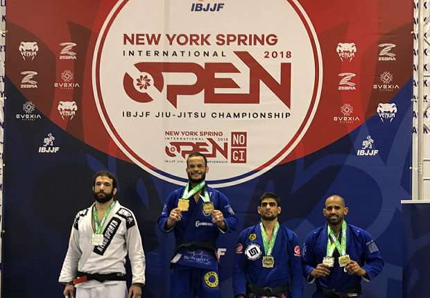 Marcos Tinoco, Do Val e John Combs se destacam em torneios da IBJJF no final de semana; veja