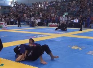 Servio Tulio usou seu jogo ofensivo para finalizar Matheus Linhares no Floripa Open (Foto: Reprodução)