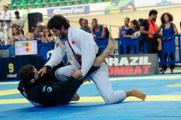 Servio Tulio chegou com tudo na faixa-preta e foi campeão mais uma vez, agora no Rio Open (Foto: Vitor Freitas)