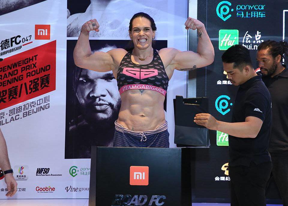Gabi Garcia responde desafio de campeã do Bellator: 'Nós podemos lutar amanhã'