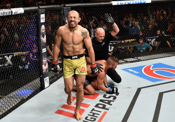 José Aldo coroa vitória no UFC Calgary com bônus de 'Performance da Noite'; veja outros premiados