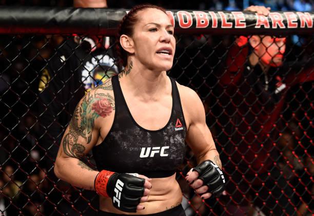 Cyborg foca em próxima luta e 'desconversa' sobre futuro no UFC e Amanda: 'Não muda meu legado'